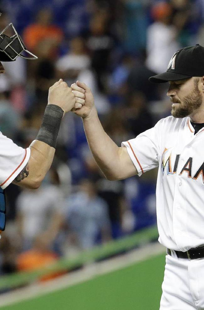 Dunn's 10 wins an unexpected boost for Marlins