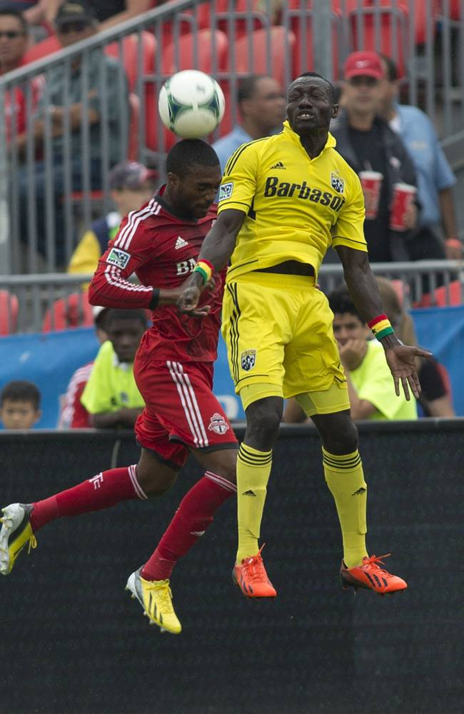Toronto FC rallies to beat Crew 2-1