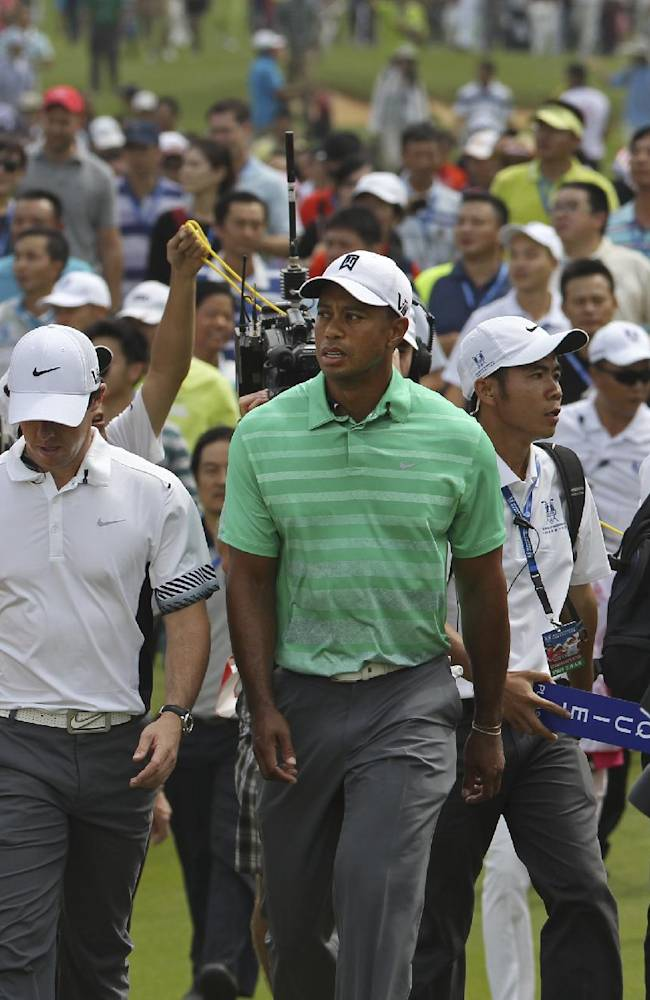 McIlroy beats Woods in 18-hole exhibition