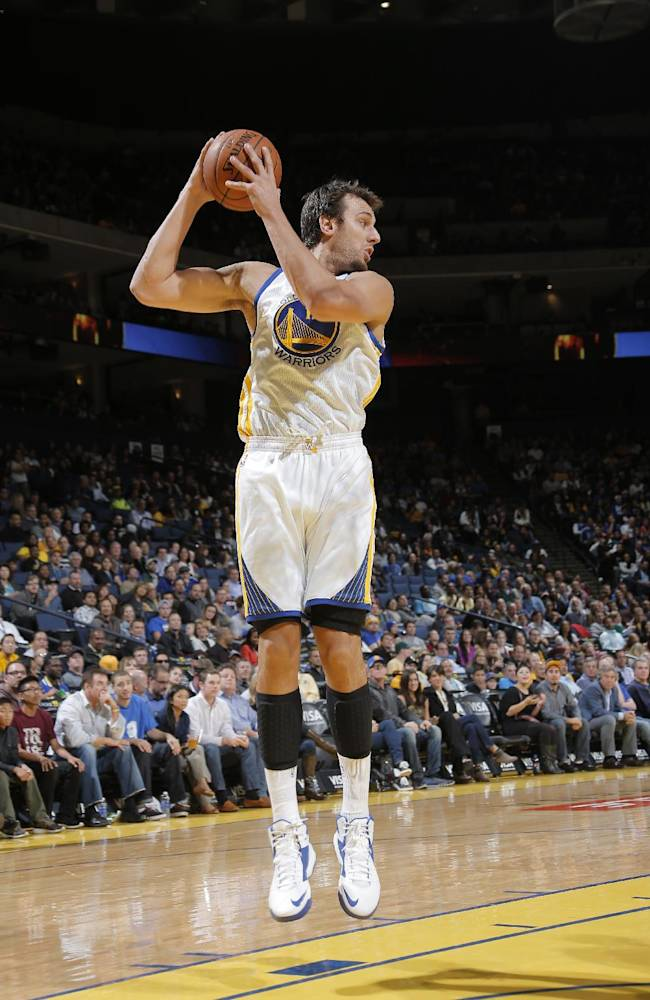 Warriors, Andrew Bogut agree to contract extension