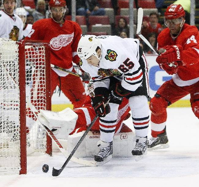Red Wings beat Blackhawks 5-4 in shootout