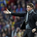 Barcelona's coach Tito Vilanova gestures during the Champions League semi-final second leg soccer match against Bayern Munich at Camp Nou stadium in Barcelona in this May 1, 2013 file photo. REUTERS/Gustau Nacarino/Files