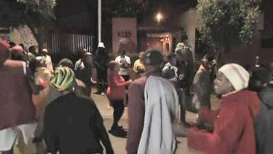 Raw: South Africans Mourn, Celebrate Mandela