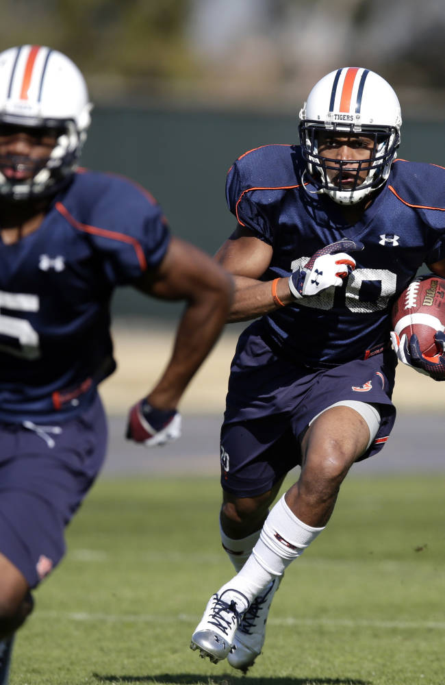 Auburn's Davis, Louis reflect on enduring plays