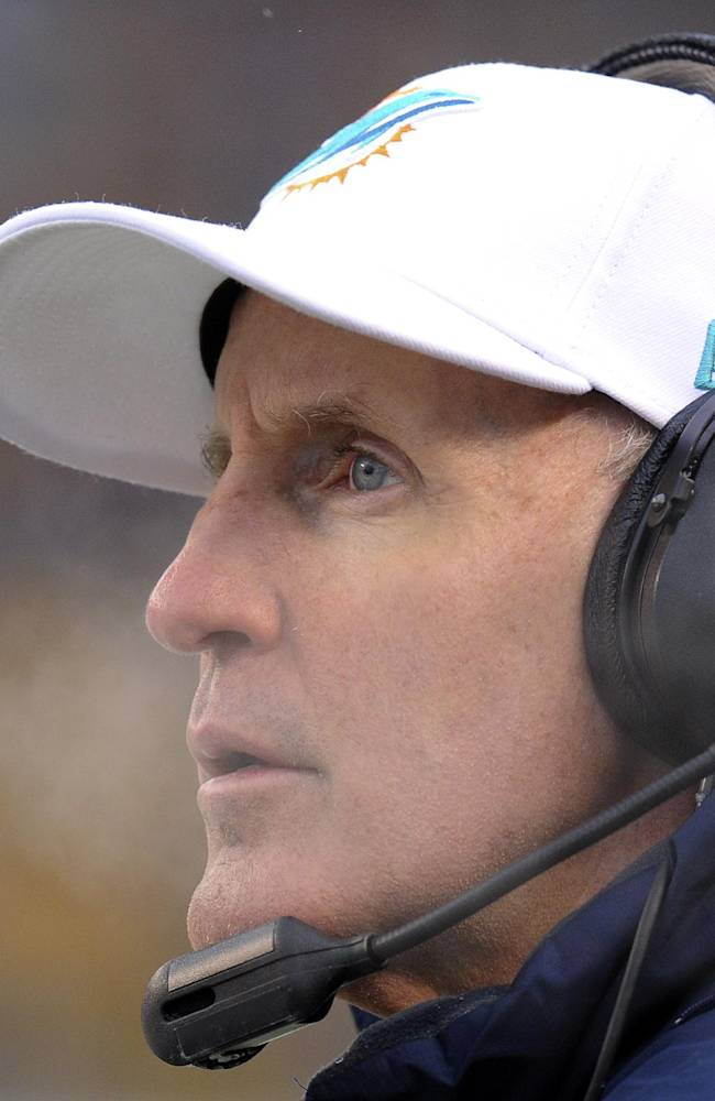 Philbin helps Dolphins amid bullying scandal