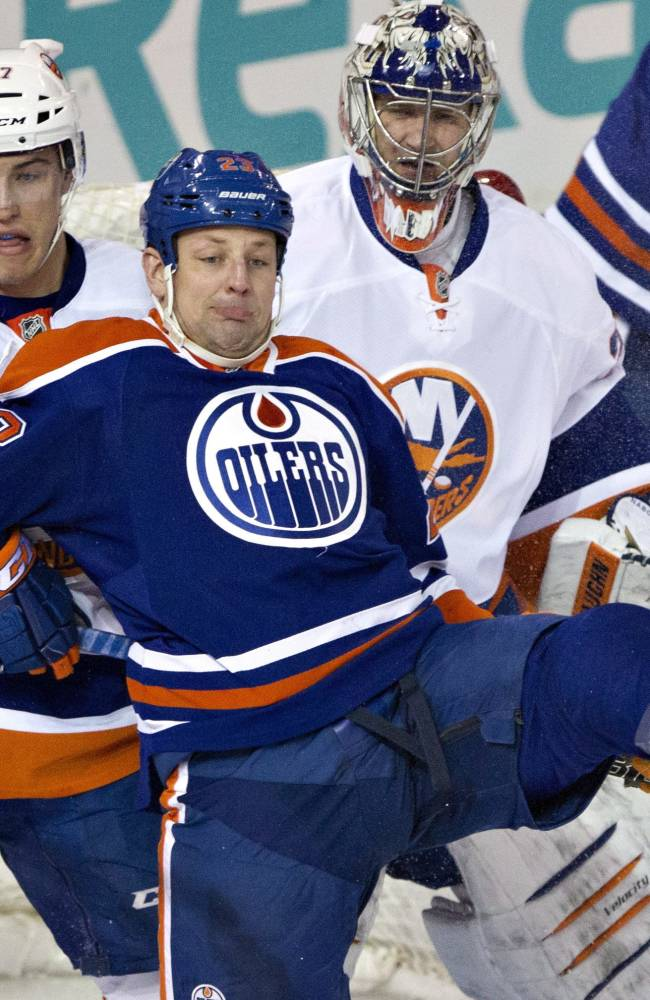 Oilers rally past Islanders 3-2 in OT