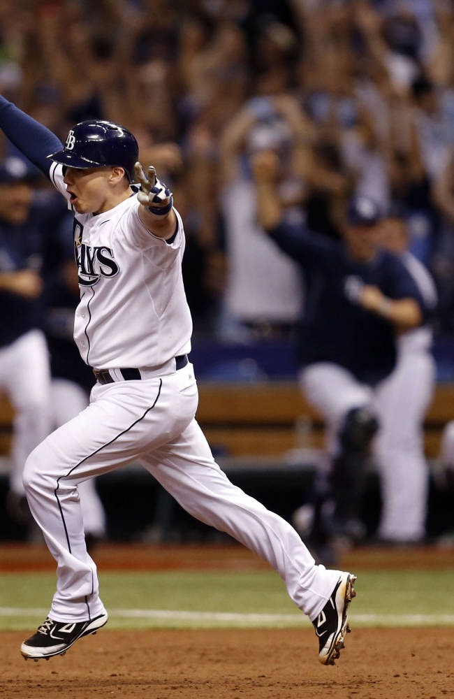 Lobaton's HR in 9th lifts Rays over Red Sox 5-4