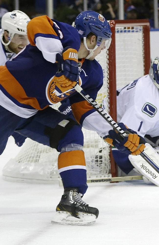 Richardson's OT goal lifts Canucks over Isles
