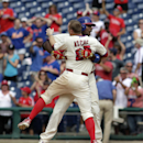 Howard gets winning hit in 9th for Phillies The Associated Press