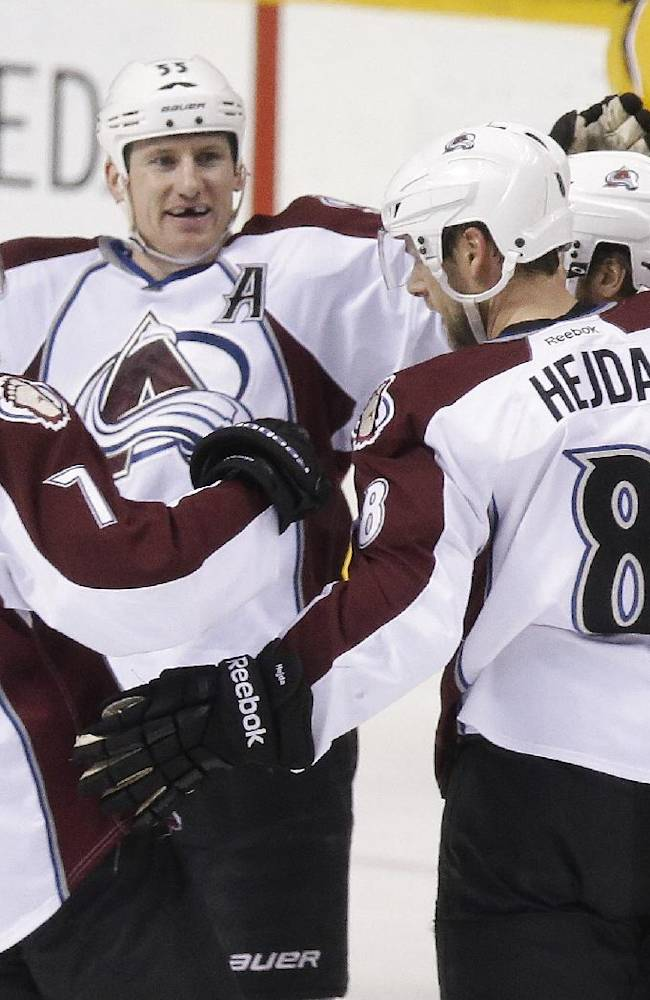 Holden scores twice, Avalanche beat Predators 5-4