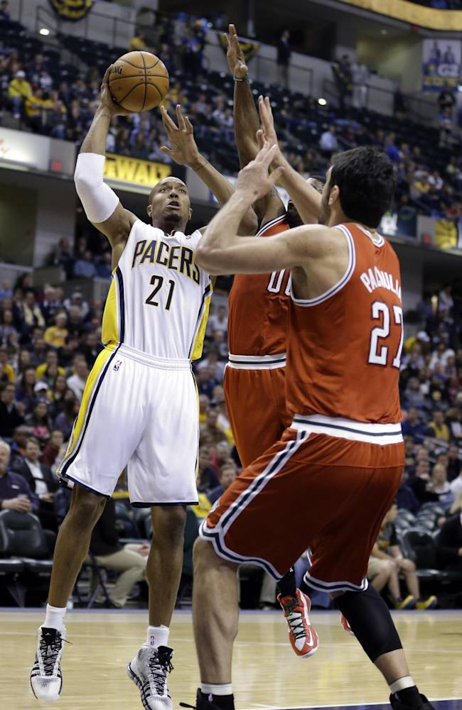 Pacers improve to 9-0 with 104-77 rout over Bucks