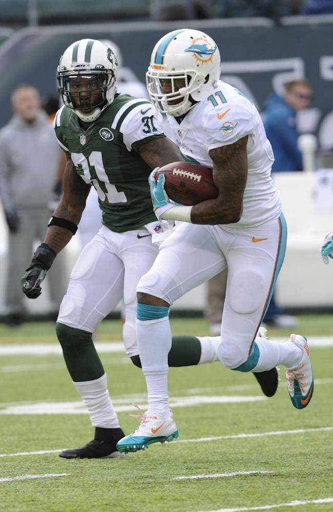 Dolphins' Wallace faces former team Sunday