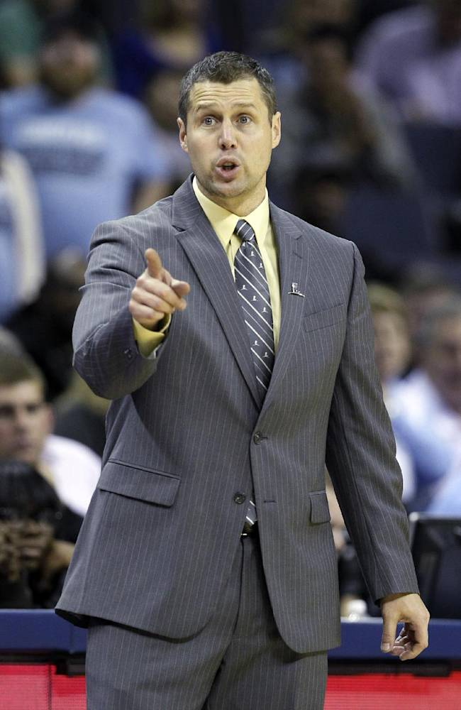 Memphis Grizzlies coach David Joerger points from the sideline during the second half of an NBA basketball game against the New Orleans Pelicans in Memphis, Tenn., Wednesday, Nov. 6, 2013. The Pelicans won 99-84