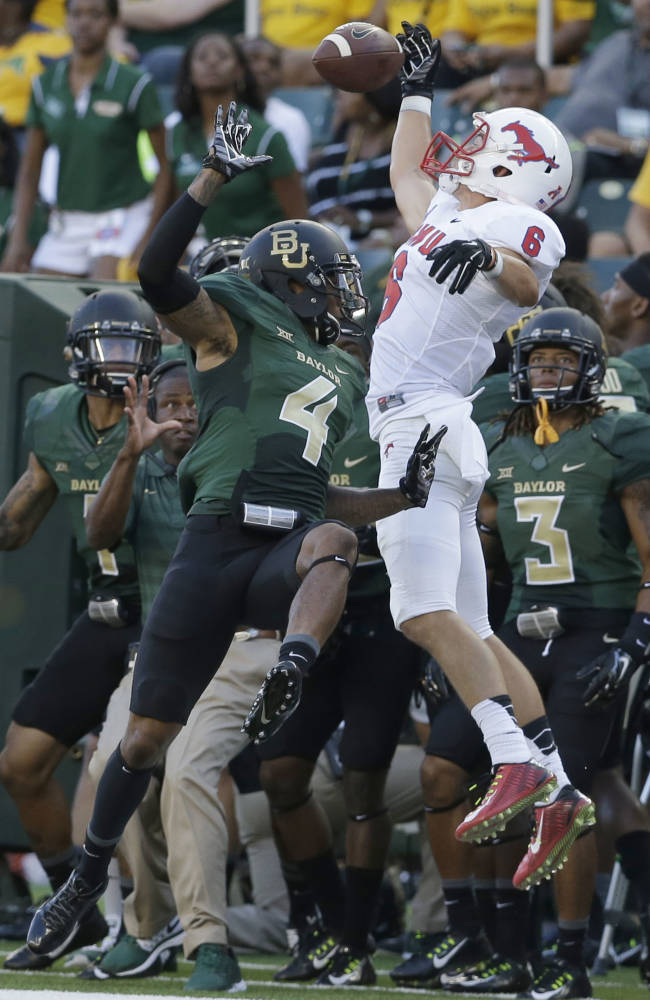 No. 10 Baylor shows off dominant defense in opener