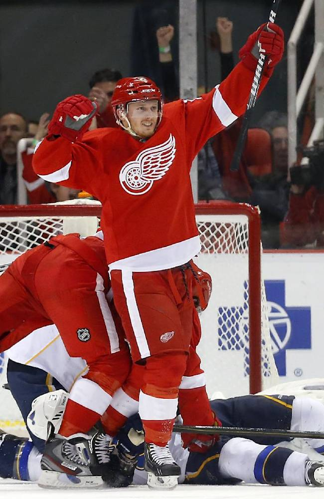 Blues surge to 4-1 victory over Red Wings