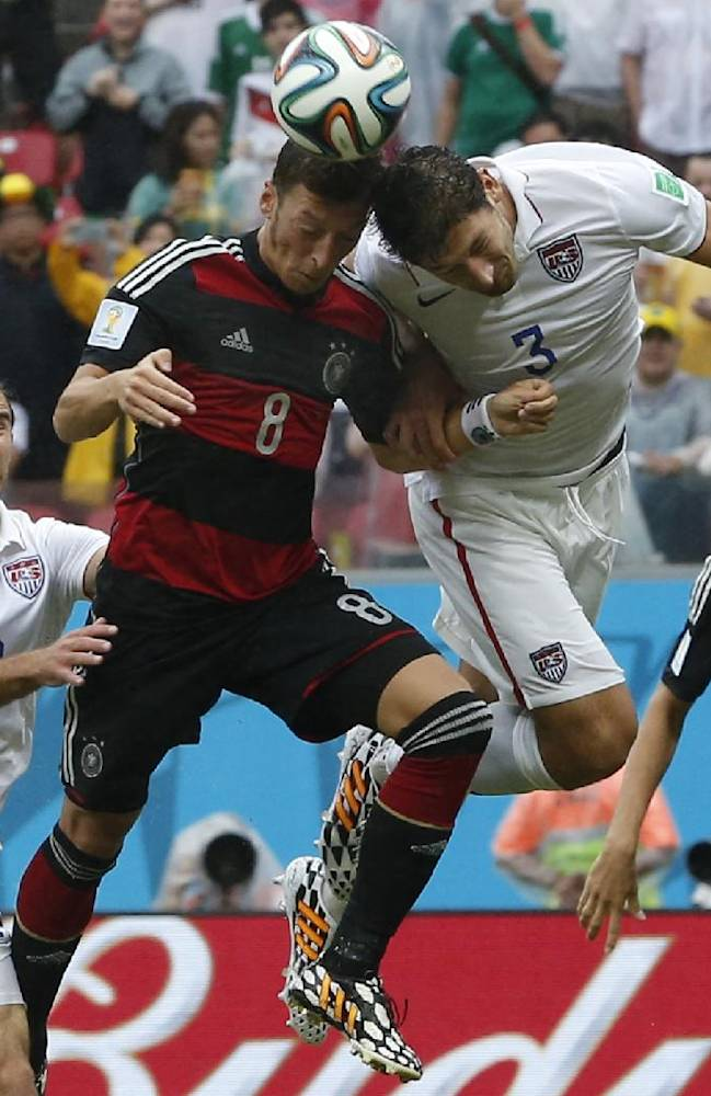 Donovan helps Gonzalez with World Cup tips