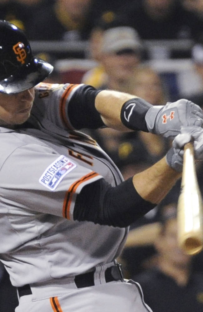 Bumgarner, Giants silence Pirates 8-0 to advance