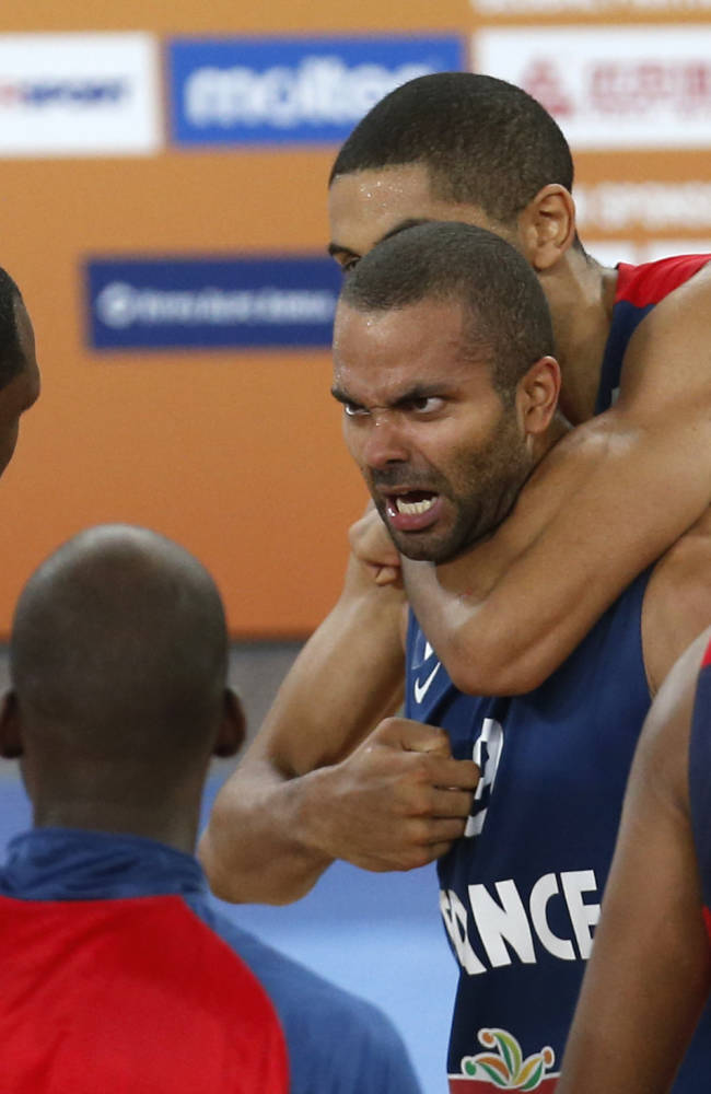 France is 1 win from first basketball gold