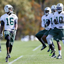New York Jets wide receiver Percy Harvin (16) works out with teammates for the first time since his trade from Seattle during NFL football practice in Florham Park, N.J., Monday, Oct. 20, 2014. (AP Photo/Rich Schultz)
