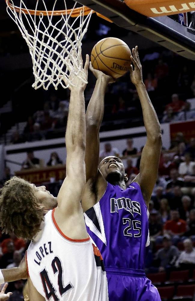 Wright's 3 gives Blazers 100-99 win over Kings