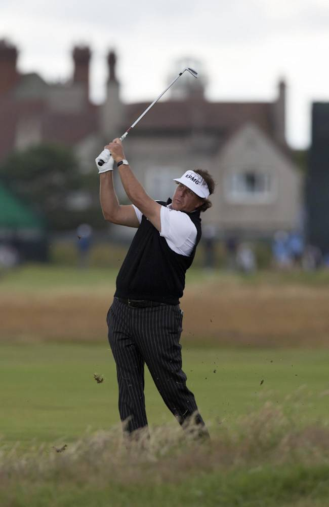 Mickelson confident - at least about links golf