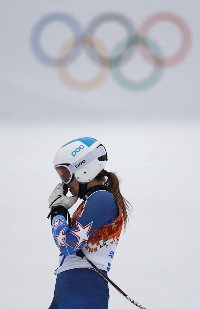 United States' Julia Mancuso reacts after skiing out of the first run of the women's giant slalom at the Sochi 2014 Winter Olympics, Tuesday, Feb. 18, 2014 in Krasnaya Polyana, Russia