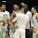 Tyler Dorsey caps dramatic Oregon comeback with game-winning three