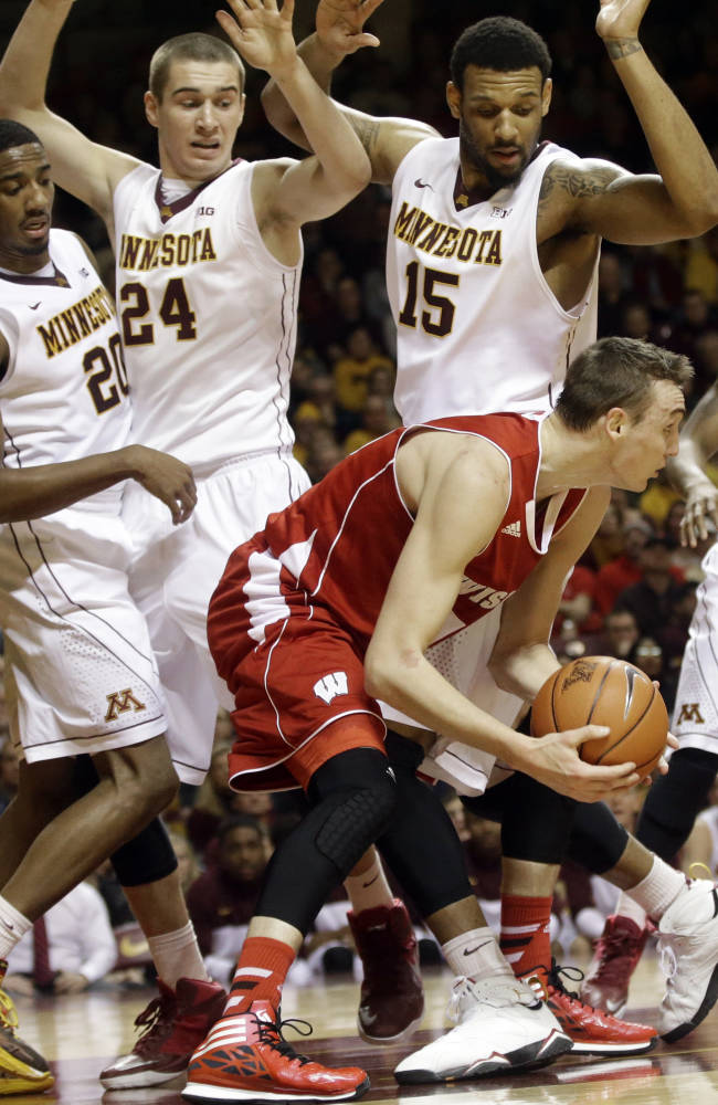 Minnesota takes down No. 9 Wisconsin, 81-68