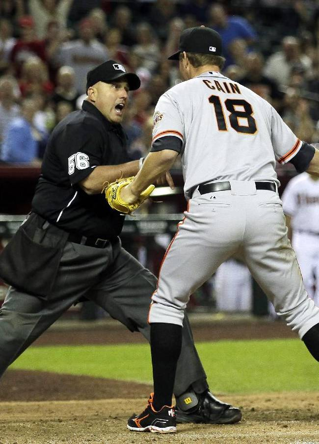 Replay rule prominent in D-Backs' 5-4 win over SF
