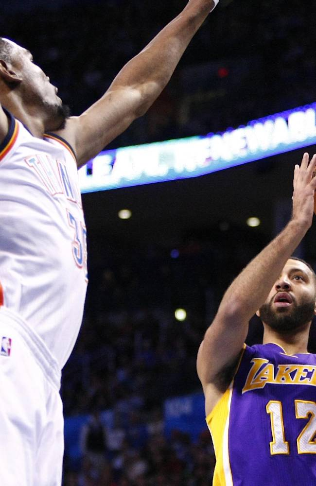 Westbrook, Durant lead Thunder past Lakers