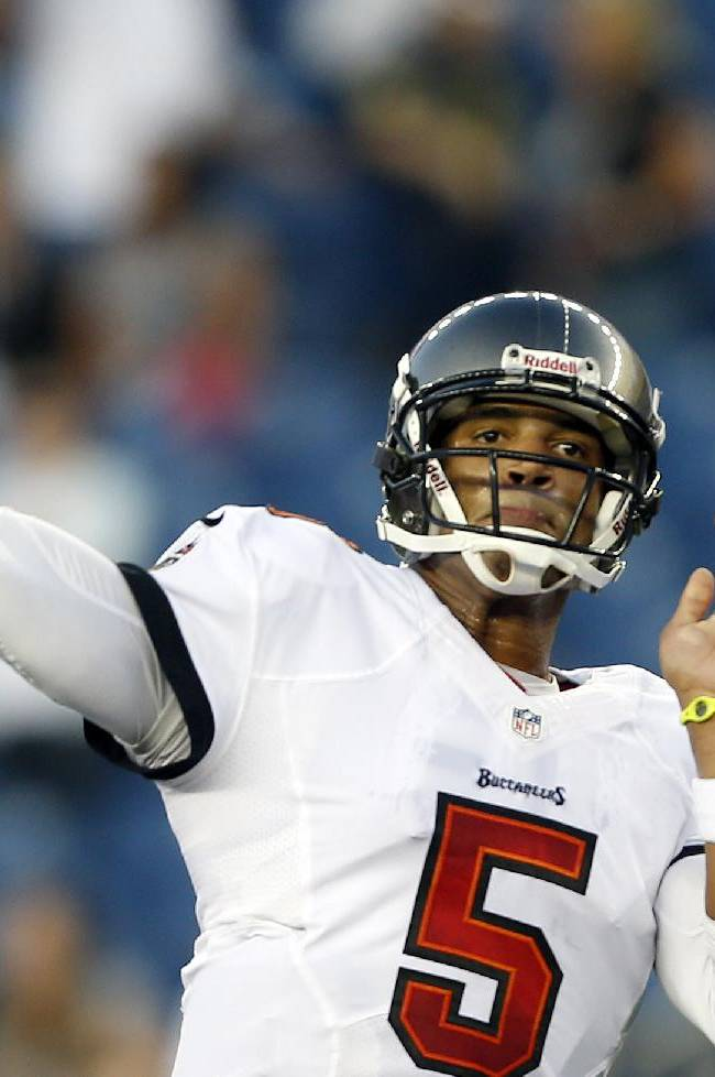 Brady nearly perfect in Pats' 25-21 win over Bucs