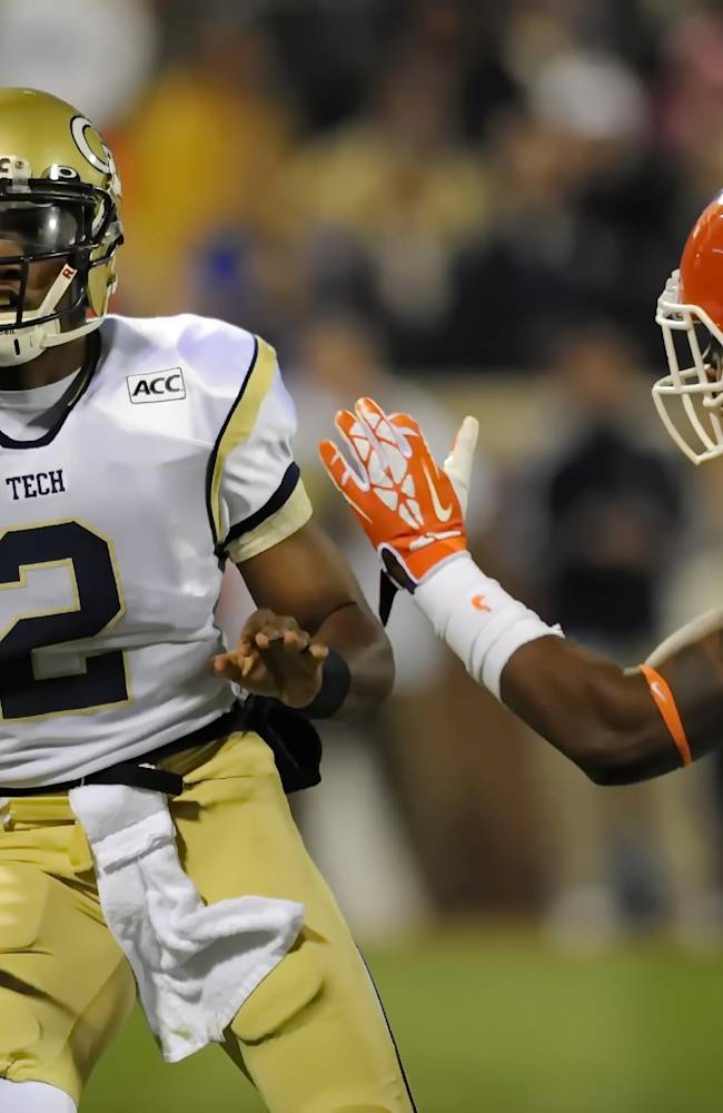 Boyd leads No. 8 Clemson past Georgia Tech, 55-31