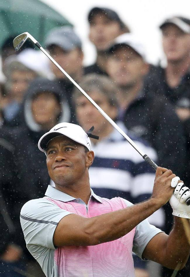 Rory McIlroy builds 6-shot lead at British Open