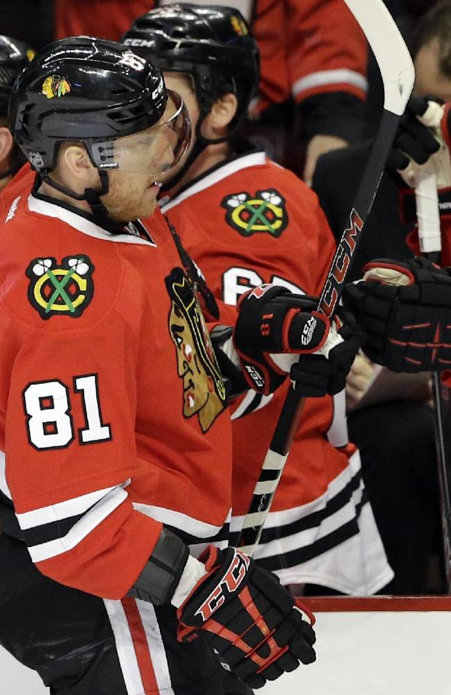 Kane scores in SO as Blackhawks top Bruins 3-2