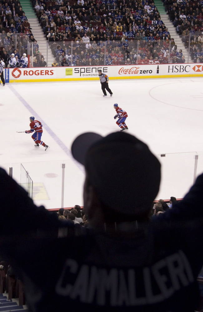 Montreal Canadiens fans cheer