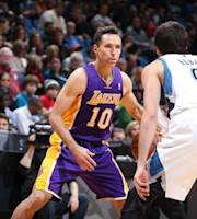 MINNEAPOLIS, MN - FEBRUARY 4: Steve Nash #10 of the Los Angeles Lakers handling the ball during a game against the Minnesota TImberwolves on February 4, 2014 at Target Center in Minneapolis, Minnesota. (Photo by David Sherman/NBAE via Getty Images)