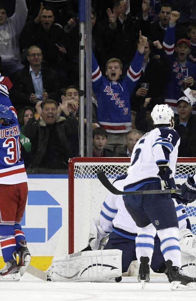 Jokinen scores 2 in 3rd, lifts Jets over Rangers