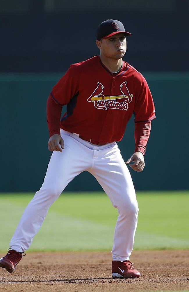 Cardinals introduce Cuban SS Aledmys Diaz