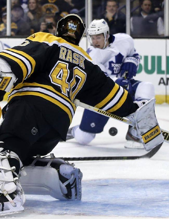 Bozak scores 2, Maple Leafs hold off Bruins 4-3