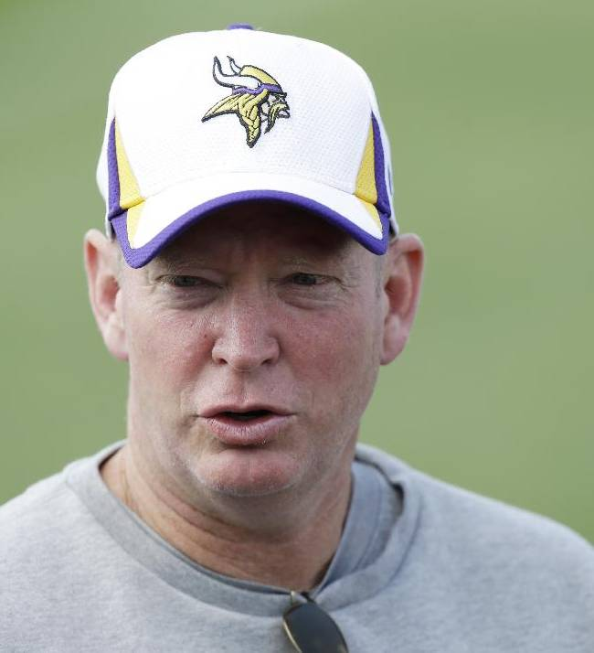Eagles hire Musgrave to coach QBs
