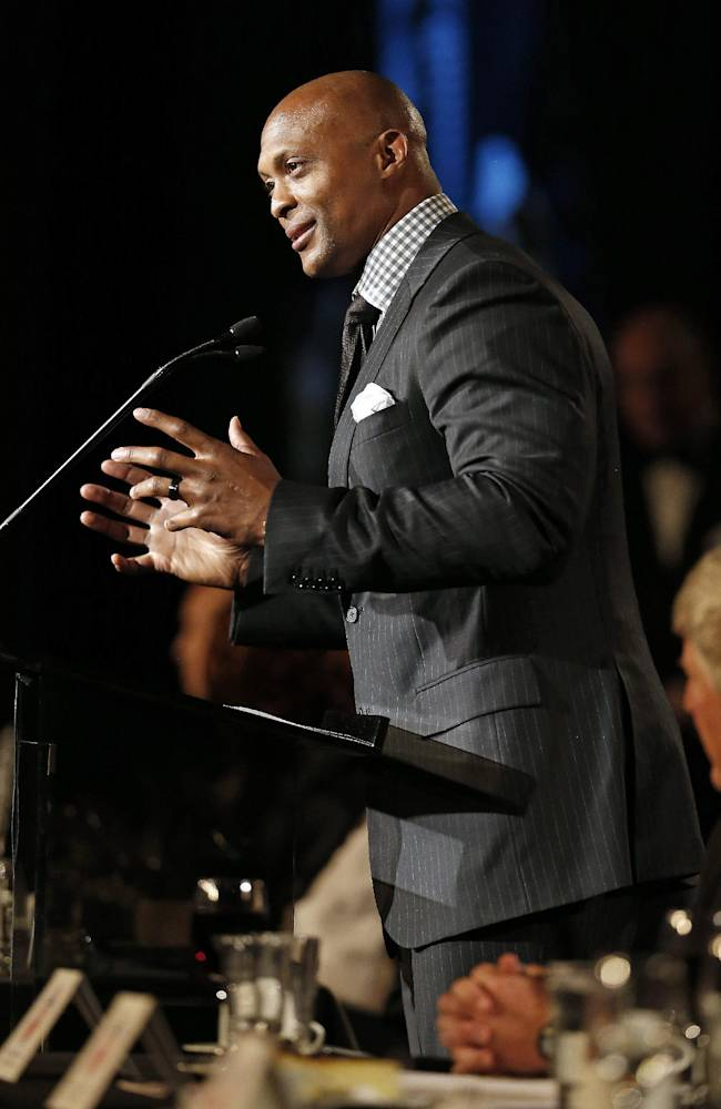 Former Tennessee Titans running back Eddie George speaks after his induction into the Tennessee Sports Hall of Fame on Saturday, May 17, 2014, in Nashville, Tenn