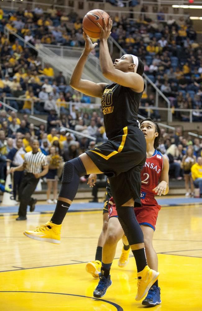 No. 7 WVU women beat Kansas 67-60