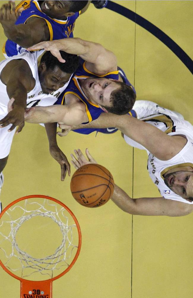 Thompson leads Warriors over Pelicans 102-101