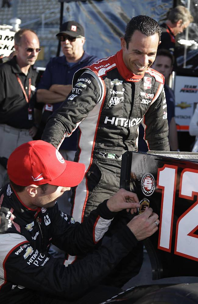 Power, Castroneves chase IndyCar title in Sonoma