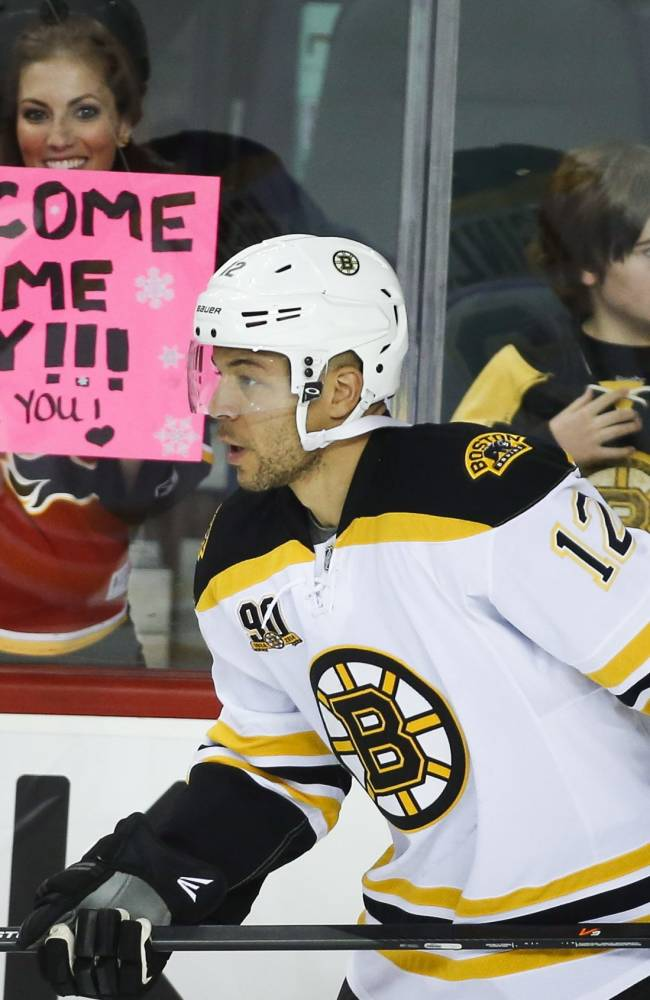 Bruins top Flames 2-1 as Iginla returns to Calgary