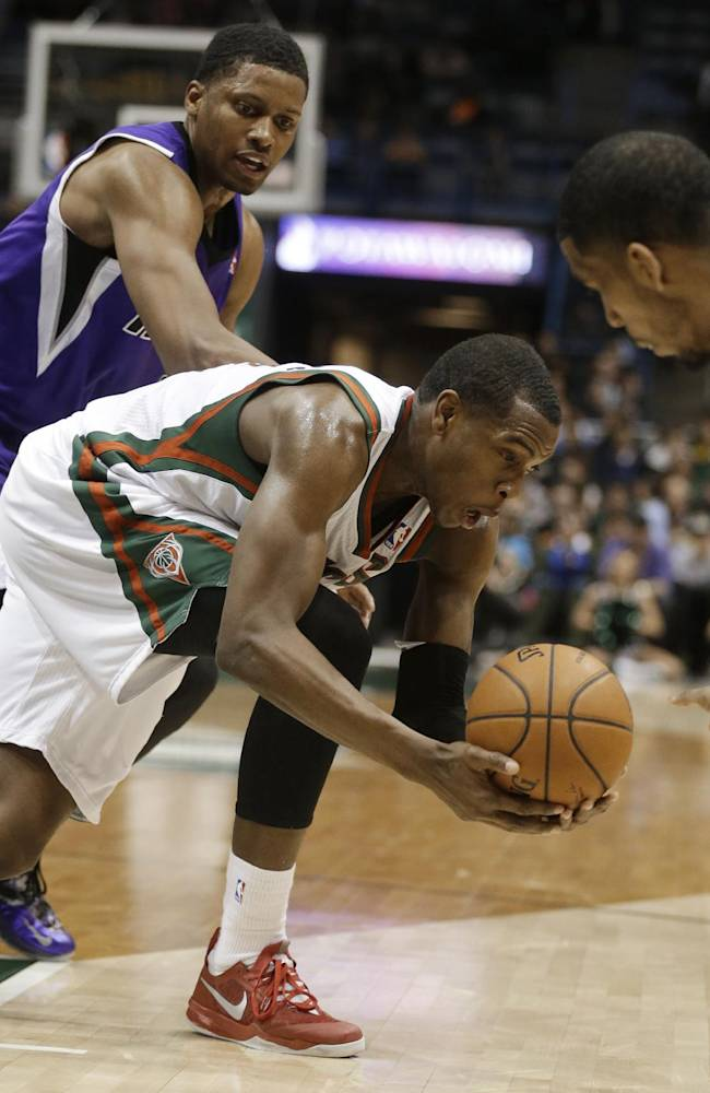 Thomas lifts Kings past Bucks 116-102