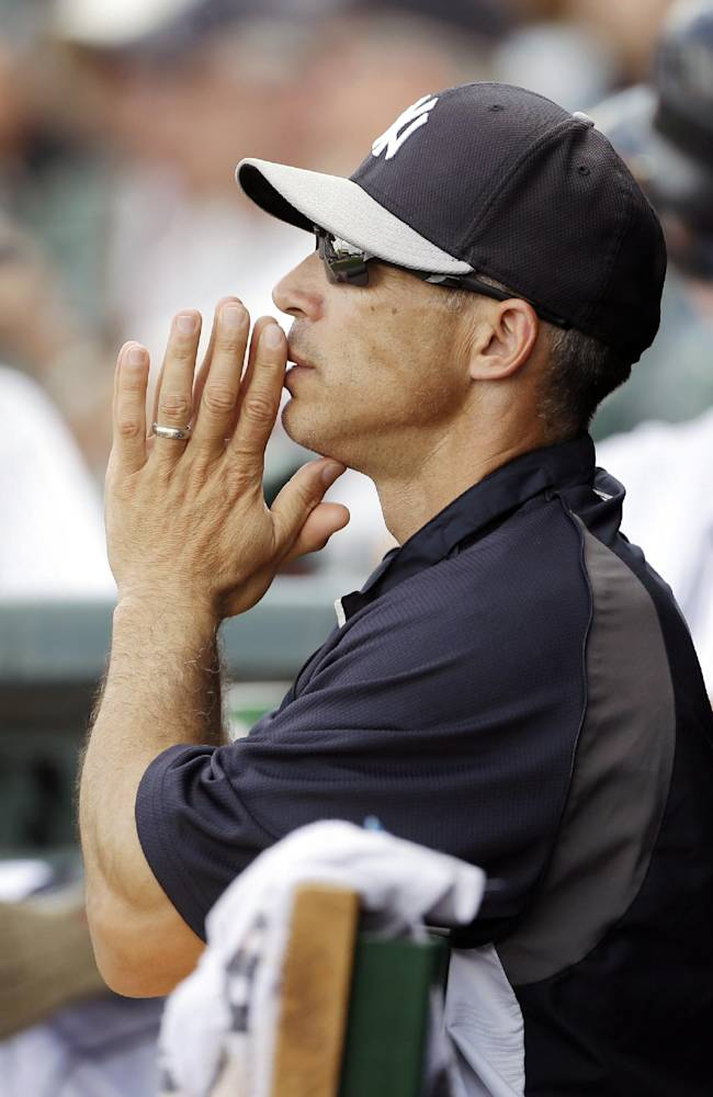 Joe Girardi signs 4-year extension with Yankees