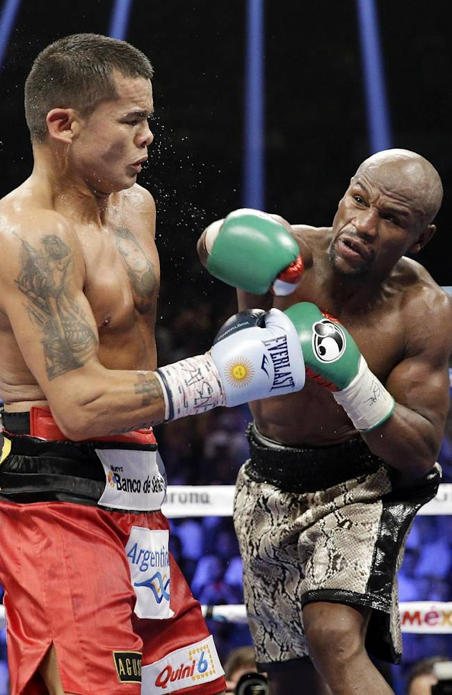 Could Pacquiao fight be in cards for Mayweather?