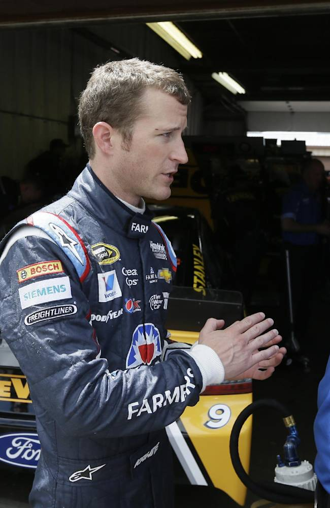 Kahne knows he's got to step it up for Hendrick