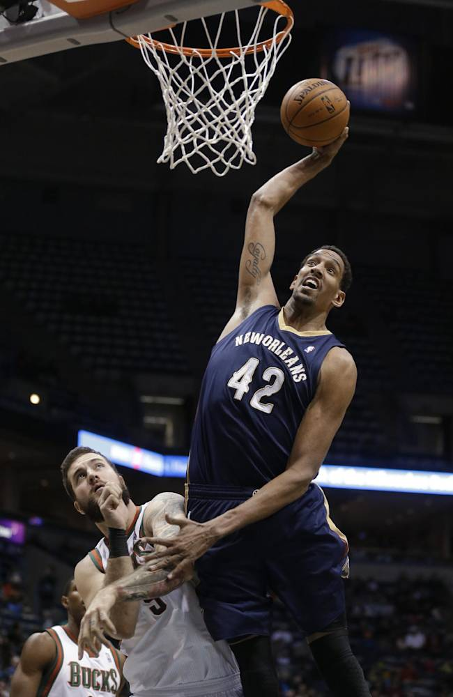 Gordon scores 21, Pelicans beat Bucks 102-98